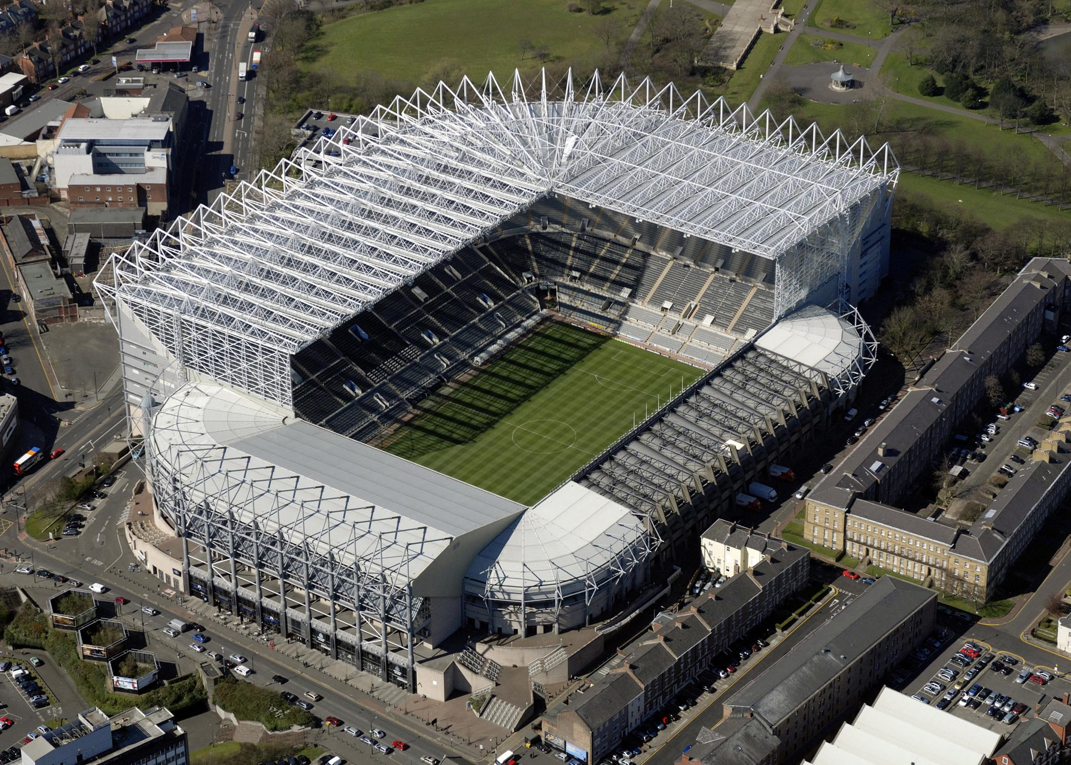 Newcastle_United_stadium_003